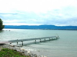 Villa meublée pieds dans l'eau (Nernier France - 20 min de Genève)